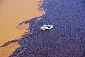 Khám Phá Dòng Sông Có 2 Màu Nước Ở Brazil